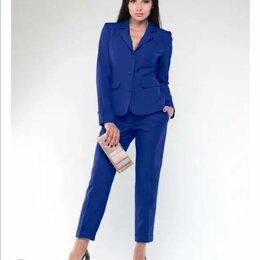 Костюмы - Брючный костюм женский с зауженными брюками, 0
