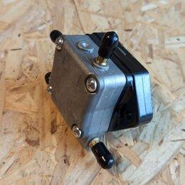 Прочие запчасти и оборудование  - Топливный насос лодочного мотора Mercury 8M0118177, 0