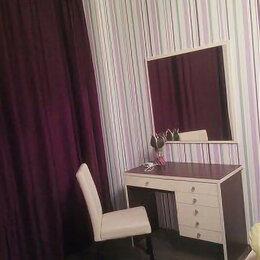 Столы и столики - туалетный столик с зеркалом и полками, 0