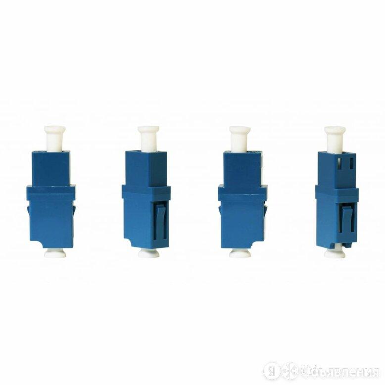 Симплексный оптический адаптер TopLan TOP-LC/SC-SM по цене 2259₽ - Прочее сетевое оборудование, фото 0