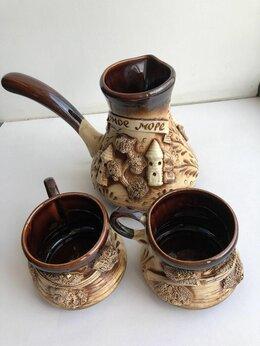 Сервизы и наборы - Набор кофейный керамический: турка и , 0