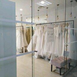 Консультанты - Свадебный салон Sacura Wedding, 0