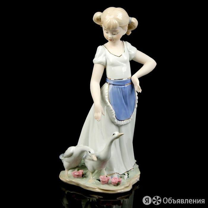 Сувенир керамика 'Девочка с гусями' 31х17х15 см по цене 4878₽ - Статуэтки и фигурки, фото 0
