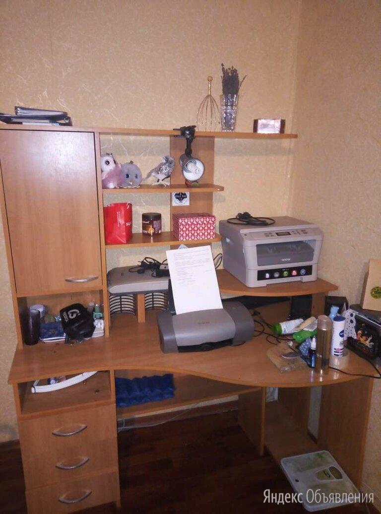Компьютерный стол угловой по цене 3500₽ - Компьютерные и письменные столы, фото 0