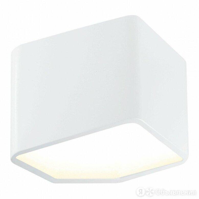 Настенный светодиодный светильник Britop Space 1120102 по цене 11245₽ - Интерьерная подсветка, фото 0