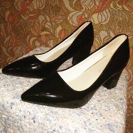 Туфли - Туфли женские на низком каблучке, 0