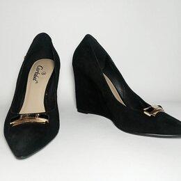 Туфли - Туфли «CARLABEL». UK – 6  или 39  по стельке 25,5 см, высота танкетки 10 см, 0