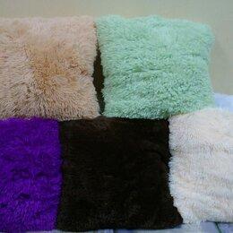Декоративные подушки - Пушистая подушка, 0