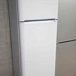 Холодильники - Холодильник Indesit TIA 180 , 0