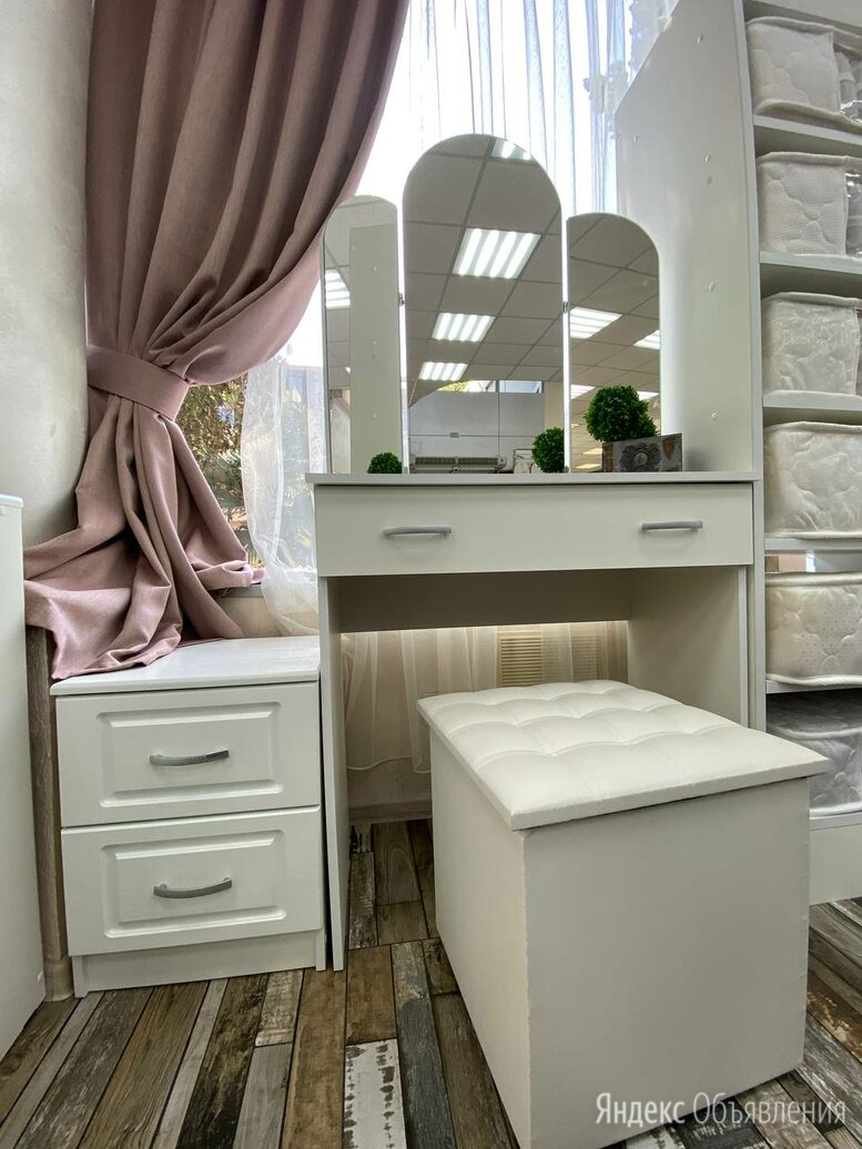 Стол Макияжный по цене 5700₽ - Дизайн, изготовление и реставрация товаров, фото 0