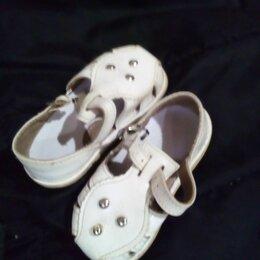 Босоножки, сандалии - Сандалии белые лаковые на девочку, 0