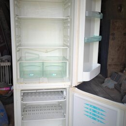 Холодильники - Холодильник Stinol . Высота 185 см. Рабочий, 0
