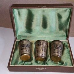 Посуда -  Комплект из 3 больших стопок в фуляре ГЛАЮВЕЛИРТОРГ СССР,875 проба, 0