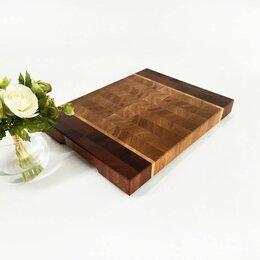 Разделочные доски - Торцевая доска 40x30x4 см из дуба и красного дерева, 0