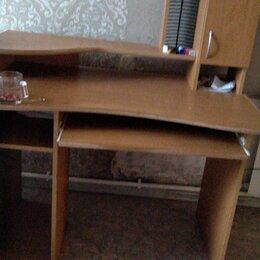 Компьютерные и письменные столы - Компьютерный стол с тумбочкой, 0