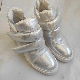 Кроссовки и кеды - Модные кроссы, 0