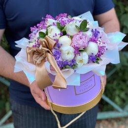 Цветы, букеты, композиции - Букет из пионов в шляпной коробке, 0