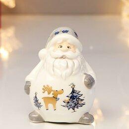 """Новогодние фигурки и сувениры - Сувенир керамика """"Дед Мороз в белом кафтане, с рисунком на животе"""" 9х6,3х7,2 см, 0"""