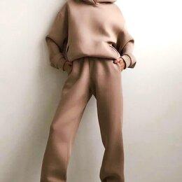 Спортивные костюмы - Женский спортивный костюм, 0