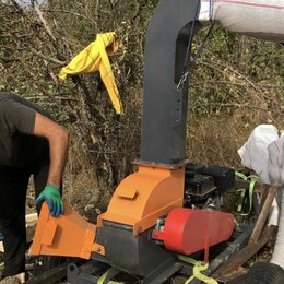 Садовые измельчители - Рубительная машина ЩДС-4 б/у измельчитель дерева веток в щепу, 0