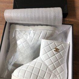 Угги - Угги белые Chanel , 0