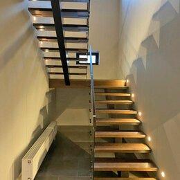 Лестницы и элементы лестниц - Лестницы на косоуре и перила из стекла, 0