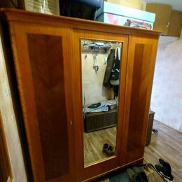 Шкафы, стенки, гарнитуры - Трехстворчатый шкаф ссср массив 50-х, 0