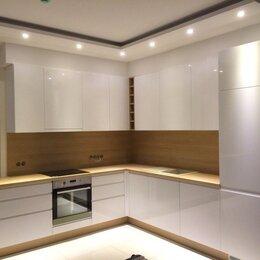 Дизайн, изготовление и реставрация товаров - Маленькая кухня с встроенным холодильником, 0