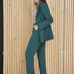 Костюмы - Зеленый брючный костюм женский, 0