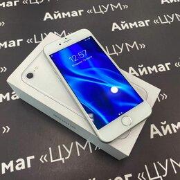Мобильные телефоны - iPhone 8 64Gb Silver, 0