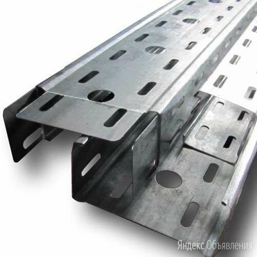 Перфорированный швеллер ШП К021 ТУ 36-1434-82 по цене 120168₽ - Металлопрокат, фото 0