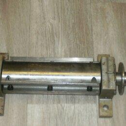 Принадлежности и запчасти для станков - Вал для фуганка и шкивов для эл. двигателя, 0