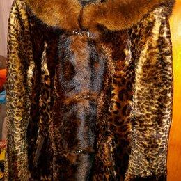 Шубы - Полушубок из мутона с капюшоном, с отделкой из чернобурки, под леопарда, 0
