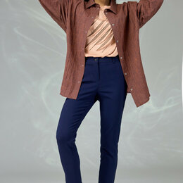 Костюмы - Костюм 579 ANGELINA & COMPANY рубашка клетка, брюки темно-синие Модель: 579, 0