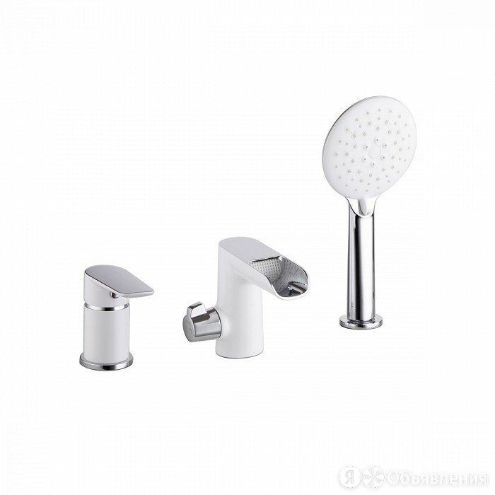 Смеситель для ванны на борт Iddis Cloud CLOSB3Ki07 (хром/белый) по цене 16690₽ - Полки, шкафчики, этажерки, фото 0