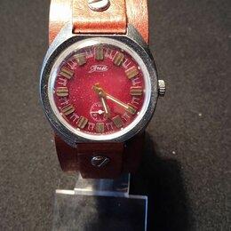 Наручные часы - Часы ЗиМ с красным циферблатом, 0