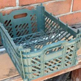 Корзины, коробки и контейнеры - Продаю 3 ящика пластиковых , 0