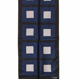 Шарфы, платки и воротники - Стильный шарф с оригинальным рисунком в квадрат Кельвин Кляйн 28864, 0