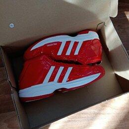 Обувь для спорта - баскетбольные кроссовки adidas, 0