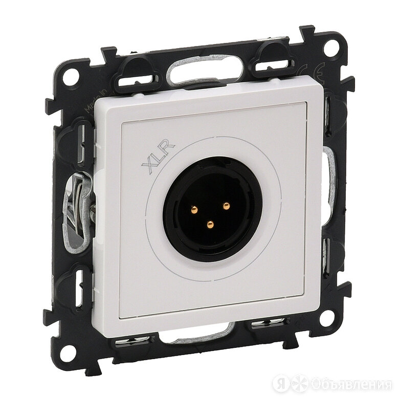 Аудиорозетка Legrand Life с 3-контактной вилкой XLR. Белая по цене 8665₽ - Электроустановочные изделия, фото 0