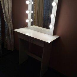 Столы и столики - Макияжный стол, 0