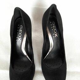 Туфли - Туфли замшевые на широком каблуке, 0
