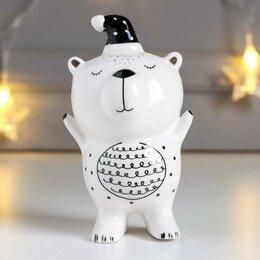 """Новогодние фигурки и сувениры - Сувенир керамика """"Медвежонок в новогоднем колпаке"""" белый с золотом 11х5,5х6,7 см, 0"""