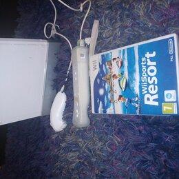 Игровые приставки - Nintendo Wii с джойстик имеется два диска.С дополнительным игровым контроллером, 0
