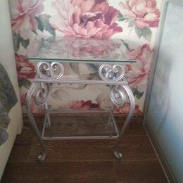 Столы и столики - Абсолютно новый дизайнерский столик - тумбочка из гнутого металла и стекла. , 0