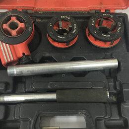 Наборы инструментов и оснастки - набор клуппов Lux Tools, 0