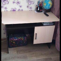 Компьютерные и письменные столы - Письменный стол для школьника , 0