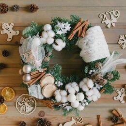 Новогодний декор и аксессуары - Новогодние венки с разными фигурками, 0