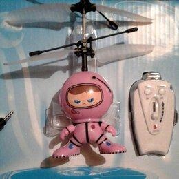 Радиоуправляемые игрушки - Летающий космонавт с пультом управления, 0