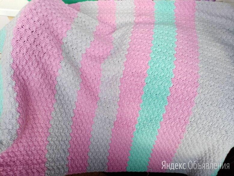 Плед выполнен крючком ,разноцветными полосами по цене 2870₽ - Пледы и покрывала, фото 0
